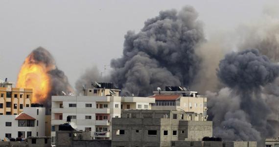 1-Rudal-meledak-di-pemukiman-di-jalur-Gaza-Palestina-Agresi-militer-Israel-ini-mendapat-kutukan-dari-berbagai-negara-Aksi-militer-ke-wilayah-sipil-ini-didukung-Presiden-Barrack-Obama