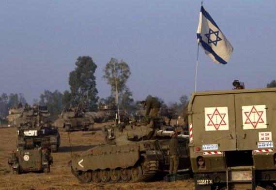 Tank-tank-Israel-bergerak-menuju-perbatasan-Jalur-Gaza-Reuters-Ronen-Zvulun