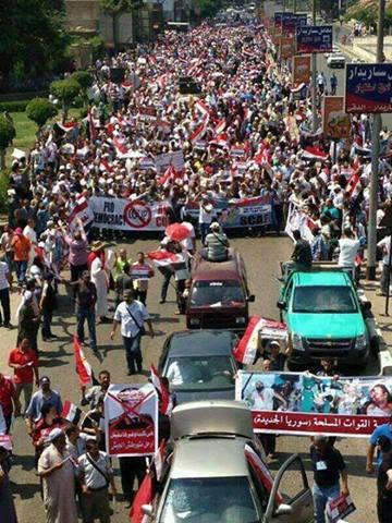 di-jalan-Ahmad-Abdul-Aziz-Muhandisin-Kairo-menuju-Medan-Nahdhah-Univ.-Kairo